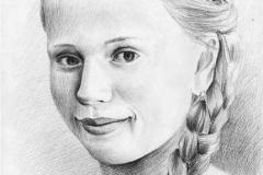 10. Портрет рисунок (бумага, карандаш)