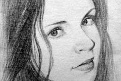 7. Портрет рисунок (бумага, карандаш)